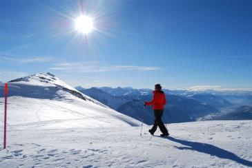 2Der 4 km lang präparierte Panorama-Winterwanderweg und der Winterwanderweg Sennhütte-Schnydi auf Torrent unterbreitet Ihnen ein unvergessliches Erlebnis.