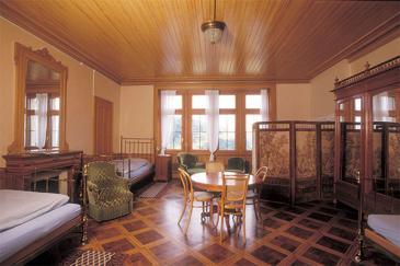 2Übernachten in der historischen Villa Cassel: Schlafen wie zu Sir Ernest Cassels Zeiten